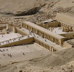 Hatshepsut Temple 1 www.egypt-nile-cruise.com