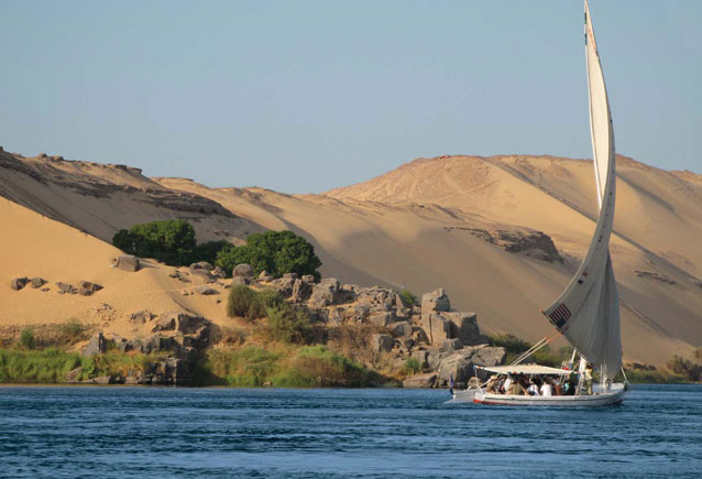 Aswan / Luxor Felucca Sailing Tour 5 Days / 4 Nights